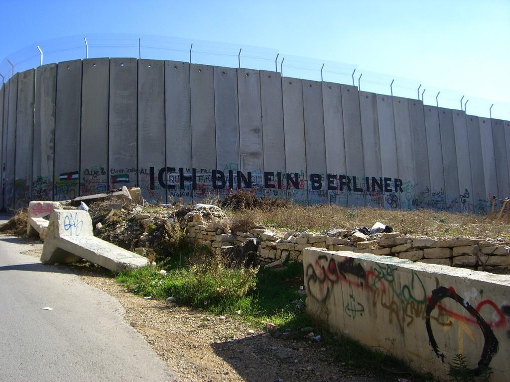 Israel-Palestinian_Wall_Ich_Bin_Eine_Berliner
